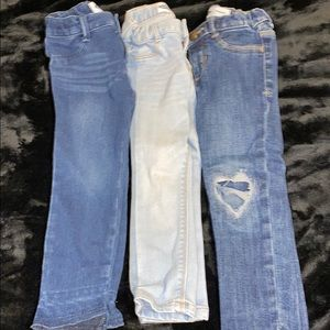 3 jeans!